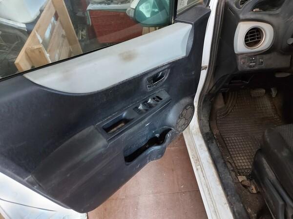 48#5783 Autovettura Toyota Hybrid in vendita - foto 8