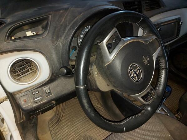 48#5783 Autovettura Toyota Hybrid in vendita - foto 10