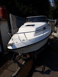 Elan motor boat model CabinE18 - Auction 5795