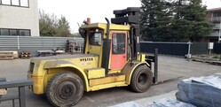 Yellow Hyster forklift - Lot 2 (Auction 5798)