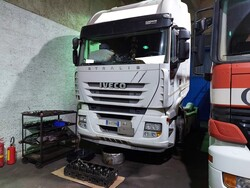 Iveco Magirus A440ST   E4 road tractor - Lot 17 (Auction 5809)