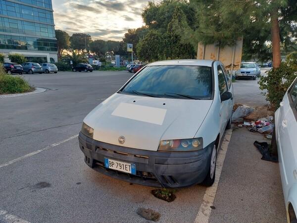 32#5809 Autocarro Fiat Punto Van in vendita - foto 2