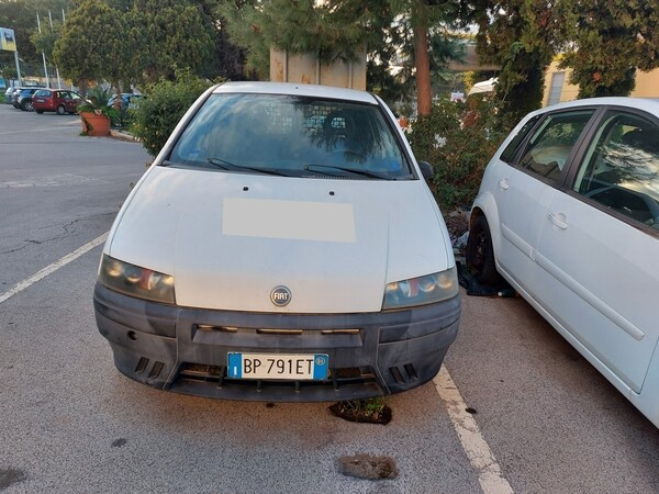 32#5809 Autocarro Fiat Punto Van in vendita - foto 4