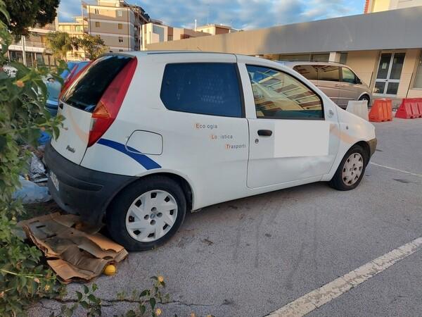 32#5809 Autocarro Fiat Punto Van in vendita - foto 6