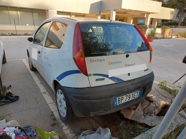 32#5809 Autocarro Fiat Punto Van in vendita - foto 8