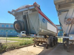 Menci SA700R semi trailer - Lot 40 (Auction 5809)