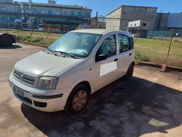 63#5809 Autocarro Fiat Panda in vendita - foto 2