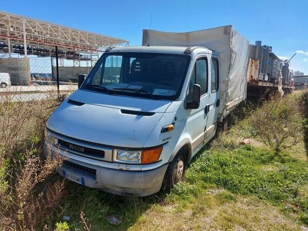 68#5809 Autocarro Iveco 35/29 in vendita - foto 2