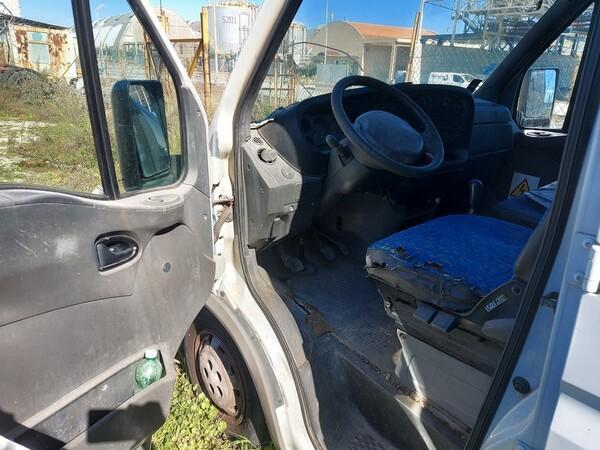 68#5809 Autocarro Iveco 35/29 in vendita - foto 8