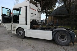 Man L200746001 road tractor - Lot 21 (Auction 5810)