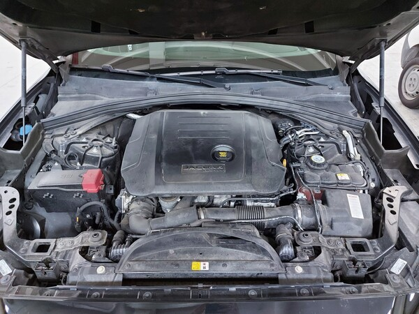 21#5813 Jaguar F-Pace in vendita - foto 22