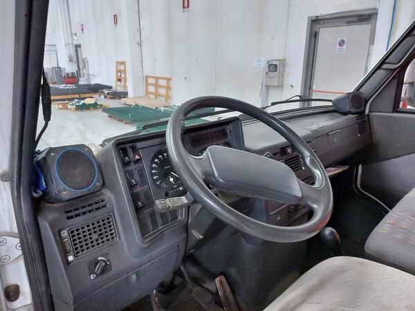 23#5813 Autocarro Iveco in vendita - foto 17