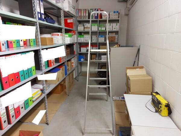 25#5813 Arredi e attrezzature da ufficio in vendita - foto 37