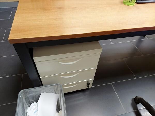 25#5813 Arredi e attrezzature da ufficio in vendita - foto 40