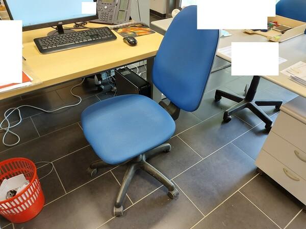 25#5813 Arredi e attrezzature da ufficio in vendita - foto 56