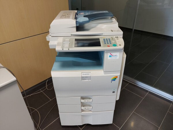 25#5813 Arredi e attrezzature da ufficio in vendita - foto 57