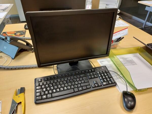 25#5813 Arredi e attrezzature da ufficio in vendita - foto 64