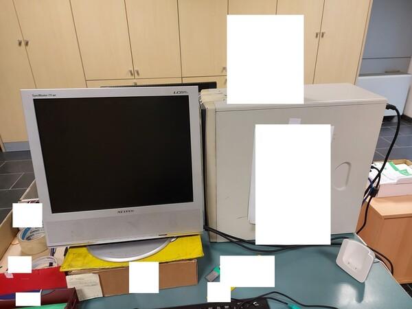 25#5813 Arredi e attrezzature da ufficio in vendita - foto 70