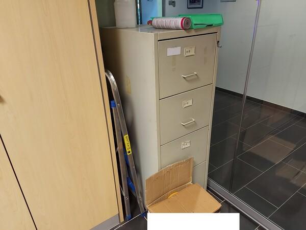 25#5813 Arredi e attrezzature da ufficio in vendita - foto 75