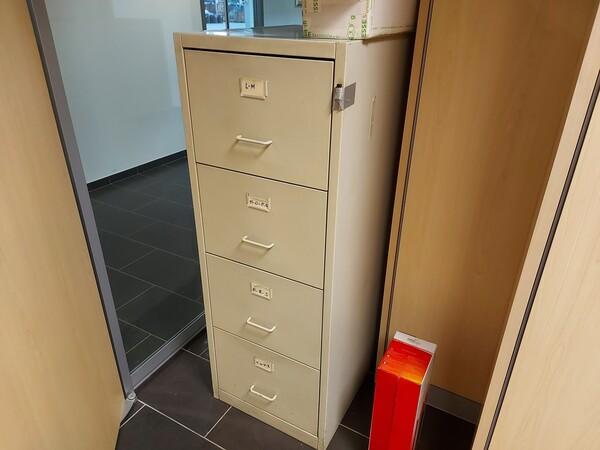 25#5813 Arredi e attrezzature da ufficio in vendita - foto 76