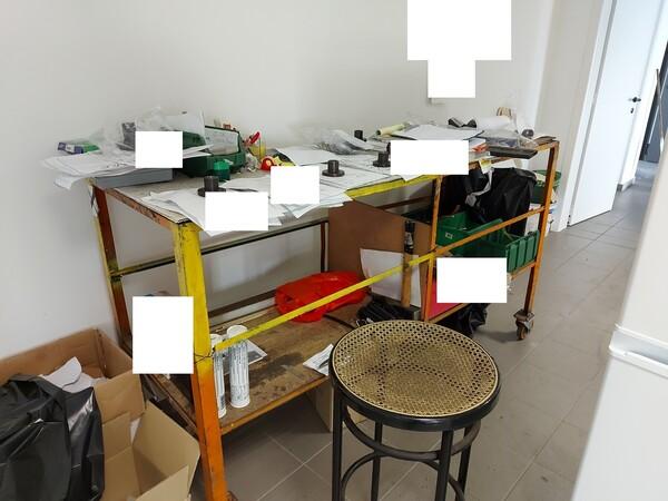 25#5813 Arredi e attrezzature da ufficio in vendita - foto 101