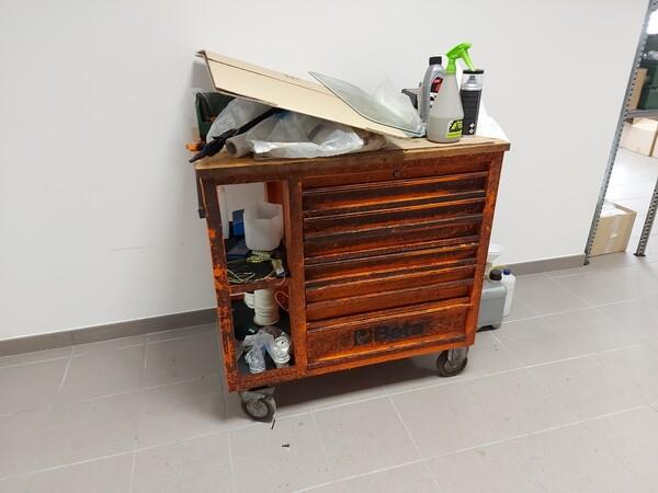 25#5813 Arredi e attrezzature da ufficio in vendita - foto 103