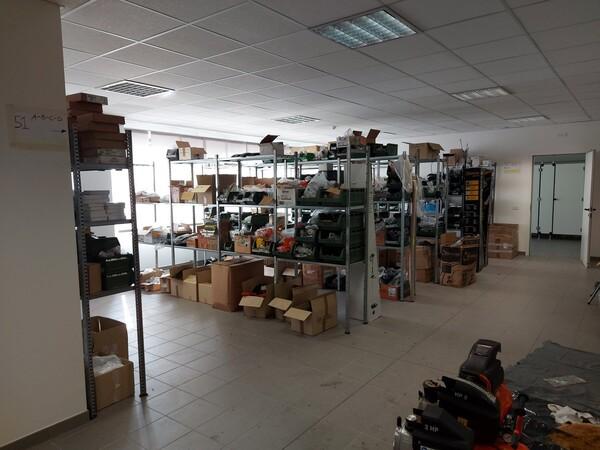 25#5813 Arredi e attrezzature da ufficio in vendita - foto 104