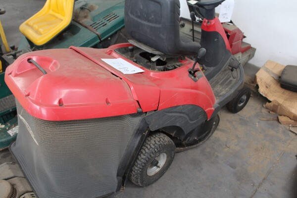 13#5817 Trattorino tosaerba GGP Italy e spazzatrice KPR in vendita - foto 7