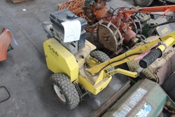 John Deere lawn mowers and rotary tillers - Lot 14 (Auction 5817)