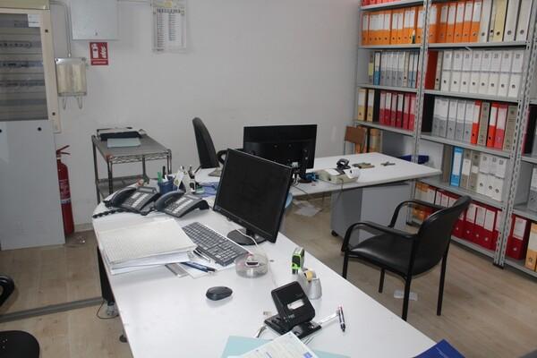 22#5817 Arredi ufficio in vendita - foto 1