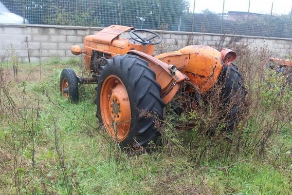 35#5817 Trattori agricoli Fiat e Nibbi in vendita - foto 1