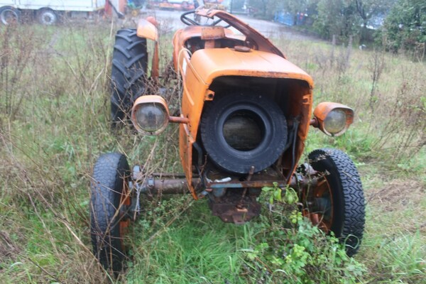 35#5817 Trattori agricoli Fiat e Nibbi in vendita - foto 5