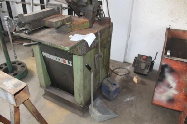 7#5817 Sega a nastro Pedrazzoli e pressa idraulica Omcn in vendita - foto 2