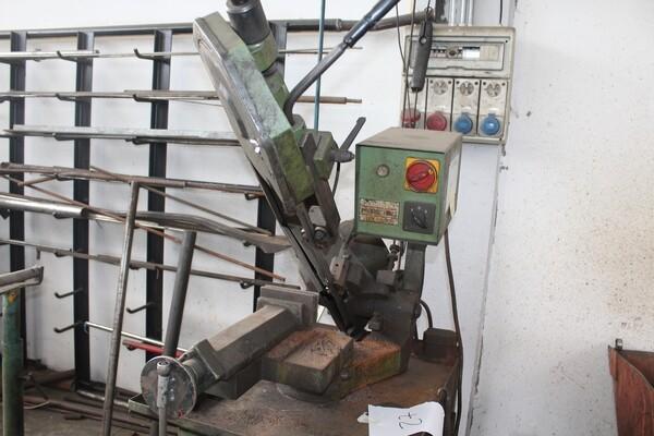 7#5817 Sega a nastro Pedrazzoli e pressa idraulica Omcn in vendita - foto 3