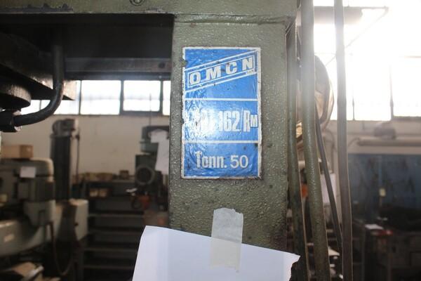 7#5817 Sega a nastro Pedrazzoli e pressa idraulica Omcn in vendita - foto 9