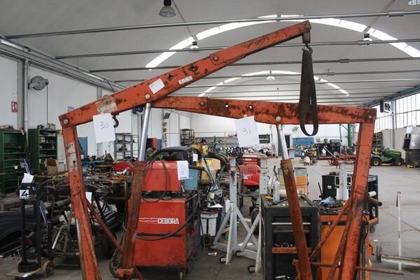 7#5817 Sega a nastro Pedrazzoli e pressa idraulica Omcn in vendita - foto 12