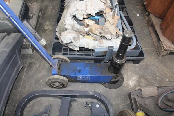 7#5817 Sega a nastro Pedrazzoli e pressa idraulica Omcn in vendita - foto 15