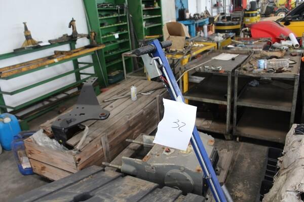 7#5817 Sega a nastro Pedrazzoli e pressa idraulica Omcn in vendita - foto 16