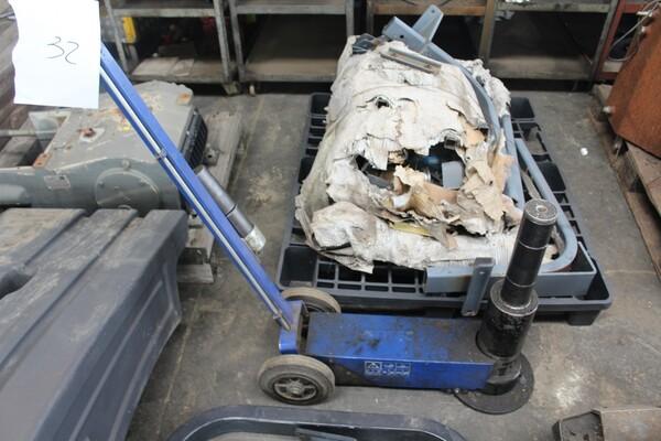 7#5817 Sega a nastro Pedrazzoli e pressa idraulica Omcn in vendita - foto 17