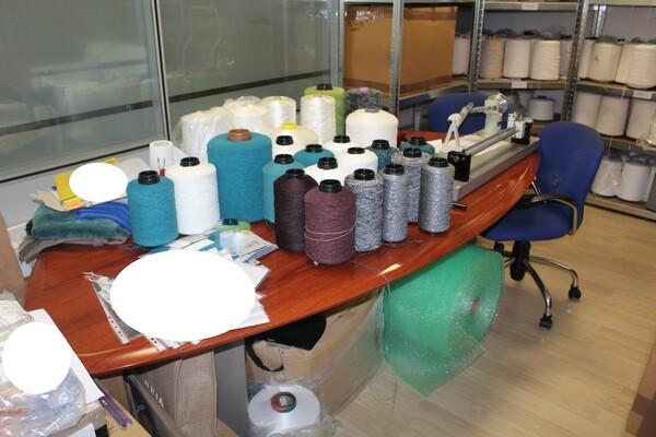 20#5820 Arredamento e attrezzature da ufficio in vendita - foto 2