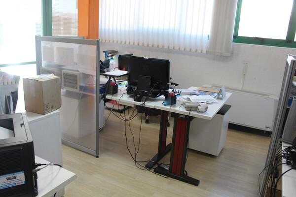 20#5820 Arredamento e attrezzature da ufficio in vendita - foto 9