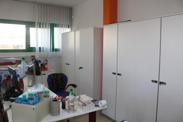20#5820 Arredamento e attrezzature da ufficio in vendita - foto 12
