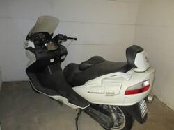 Suzuki burgman 650 scooter - Lot 5 (Auction 5823)