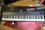 Immagine 17 - Pianoforti digitali e accessori - Lotto 10 (Asta 5826)