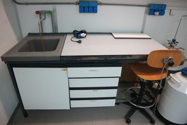 203#5836 Strumenti e arredi per laboratorio in vendita - foto 18