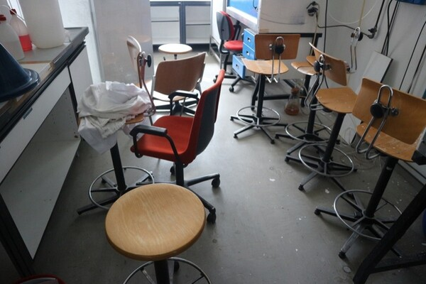 203#5836 Strumenti e arredi per laboratorio in vendita - foto 56