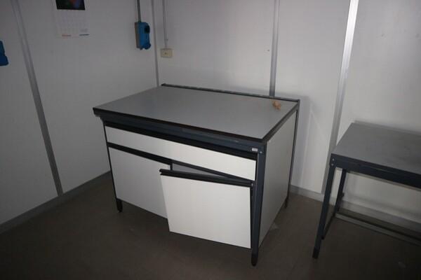 203#5836 Strumenti e arredi per laboratorio in vendita - foto 110