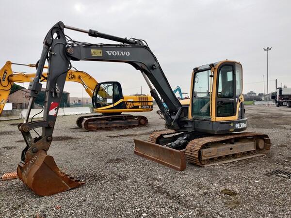 5#5845 Escavatore Volvo ECR88 in vendita - foto 1