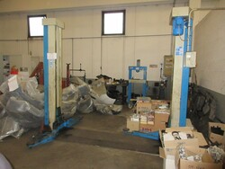 Workshop equipment and OMCN lift - Lot 2 (Auction 5852)