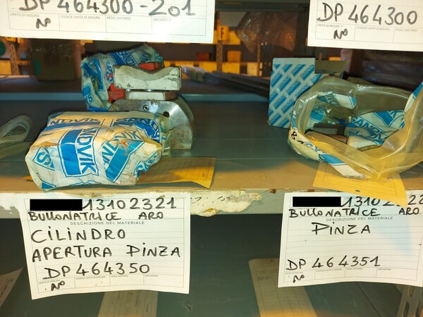 8#5853 Ricambi bullonatrice ARO in vendita - foto 12